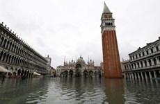 [Video] Quảng trường St Mark ở Venice phải đóng cửa vì ngập trong nước