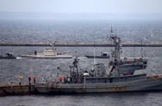 [Video] Cận cảnh Nga trao trả lại tàu bị bắt giữ cho Ukraine