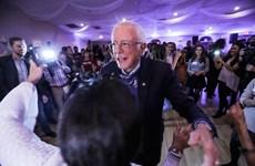 [Video] Thượng nghị sỹ Bernie Sanders 'trổ tài' khiêu vũ