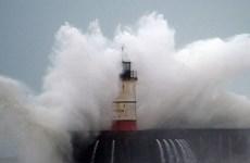 Châu Âu bị ảnh hưởng nặng do bão Ciara, sức gió mạnh nhất gần 200 km/h