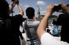 Trung Quốc cảnh báo công dân và chỉ trích cách Mỹ xử lý COVID-19