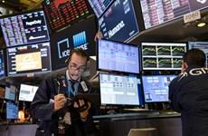 Chứng khoán Mỹ 'rơi' thấp nhất từ 1987, giá dầu và vàng tiếp tục giảm