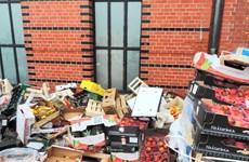 Anh: Lãng phí thực phẩm do người dân tích trữ quá nhiều