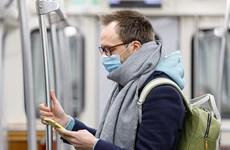 Dịch COVID-19: Giới khoa học Anh cảnh báo người trung niên