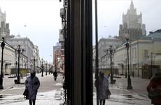 Nhiều khu vực ở Nga áp dụng quy định cách ly bắt buộc vì dịch COVID-19