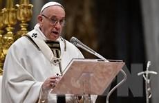 Giáo hoàng Francis lần đầu tiên ban phước qua máy ghi hình