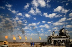 Giá dầu nới rộng đà tăng khi thoả thuận cắt giảm của OPEC+ có hiệu lực