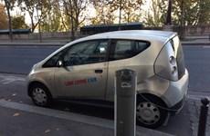 Chính phủ Pháp khuyến khích người dân sử dụng xe điện