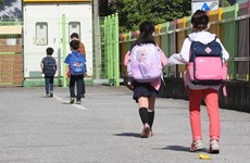 Hàn Quốc giới hạn số học sinh quay trở lại trường học tại thủ đô Seoul
