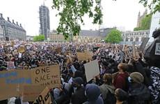 Cảnh sát Anh đụng độ với người biểu tình chống phân biệt chủng tộc