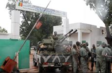 Các binh sỹ Mali nổ súng, nổi loạn bên ngoài thủ đô Bamako