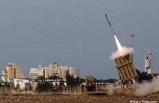 Hệ thống 'Vòm Sắt' Israel đánh chặn các tên lửa từ Dải Gaza