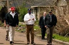 Tổng thống Mỹ thăm các bang chịu ảnh hưởng nặng nề do bão Laura