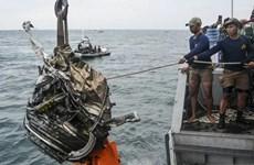 Indonesia tìm thấy một hộp đen của máy bay rơi số hiệu SJ-182