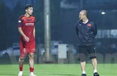 Đoàn Văn Hậu xuất ngoại khiến huấn luyện viên Park Hang-seo khó xử