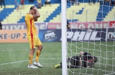 HLV Thanh Hóa nói gì khi bất ngờ còn cơ hội ở lại với V-League?