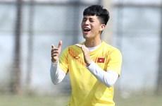 Đình Trọng sắm vai đội trưởng U23 Việt Nam ngày Quang Hải vắng mặt
