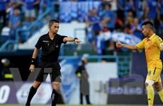 Trọng tài lại sai sót ở vòng 8 V-League, VFF yêu cầu kiên quyết xử lý