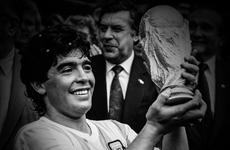 Messi, Ronaldo và nhiều ngôi sao bóng đá đương đại tưởng nhớ Maradona