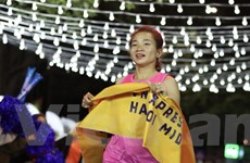 'Cô gái vàng' điền kinh Việt Nam vô địch giải chạy đêm quy mô lớn