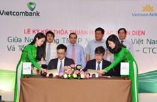 Vietcombank ký kết hợp tác toàn diện với Vietnam Airlines