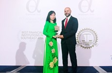 """Vietcombank nhận giải thưởng """"Ngân hàng tốt nhất Việt Nam"""" năm 2017"""