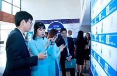 Khách hàng hào hứng với trải nghiệm thanh toán QR Pay của VietinBank