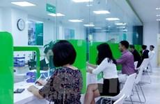 Mới hoạt động, Vietcombank Lào đã thu hút được lượng lớn khách hàng