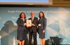 Lần thứ 3 VietinBank là ngân hàng tài trợ thương mại tốt nhất