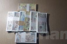 Sử dụng tiền lẻ-tiền mới dịp Tết: Thói quen không dễ bỏ!