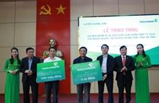 Tặng 100 nhà nhân ái, mang Tết ấm đến người nghèo tại Hà Tĩnh