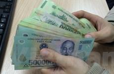Nhiều ngân hàng tặng lì xì bằng tiền mặt cho khách hàng gửi tiết kiệm