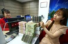 Các ngân hàng bắt đầu giảm lãi suất huy động dưới 6 tháng