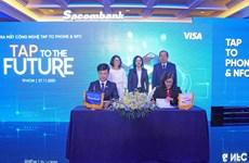 Ngân hàng Việt đầu tiên cho thanh toán không tiếp xúc bằng smartphone