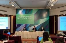 ADB: Chậm trễ triển khai vaccine có thể cản trở tăng trưởng kinh tế