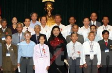 Lãnh đạo Quốc hội tiếp đại biểu người có công