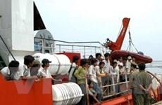 Cứu hàng chục ngư dân bị nạn trên biển