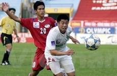 Ghi 2 bàn, Lee Nguyễn cứu Hoàng Anh Gia Lai