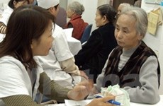 2010: Tỷ lệ người cao tuổi Việt Nam sẽ tăng đột biến