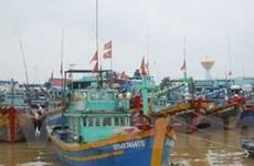 Hướng dẫn tàu thuyền về hướng đi của bão