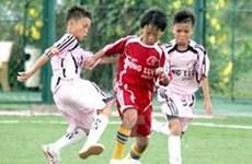 Tuyển sinh lớp bóng đá tài năng đầu tiên