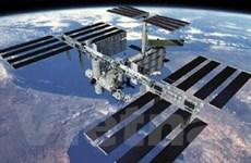 """Phi hành đoàn ISS """"sơ tán"""" vì... """"rác"""" vũ trụ"""