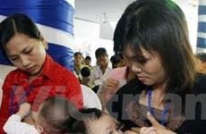 Tỷ lệ trẻ sơ sinh bú sữa mẹ ở Việt Nam còn thấp