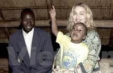 Malawi ủng hộ Madonna nhận thêm con nuôi
