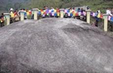 Tìm thấy di tích cự thạch ở chân núi Tam Đảo