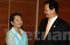 Thủ tướng hội kiến lãnh đạo ba nước tại Jeju