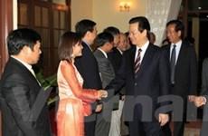 Thủ tướng gặp mặt đại diện Việt kiều tại Lào