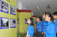 Triển lãm ảnh về điện Biên, đường Trường Sơn