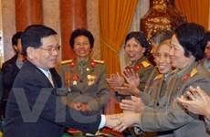 Chủ tịch nước tiếp các cựu nữ lái xe Trường Sơn