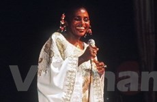 Nữ ca sĩ châu Phi giành giải Grammy qua đời